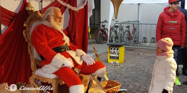 """Il giorno di Babbo Natale Foto evento solidale """"Il giorno di Babbo Natale"""" a Treviglio - 11 dicembre 2016 cinemalfa associazione cinema italia alfa romeo alfisti"""